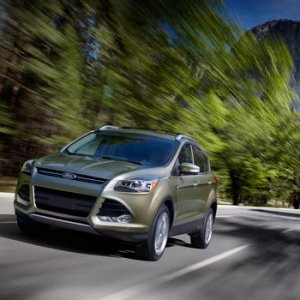 2013 Ford Escape Driving 02